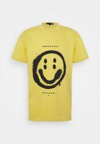 Mennace - SUNDAZE FACE REGULAR UNISEX - Print T-shirt - yellow - 0
