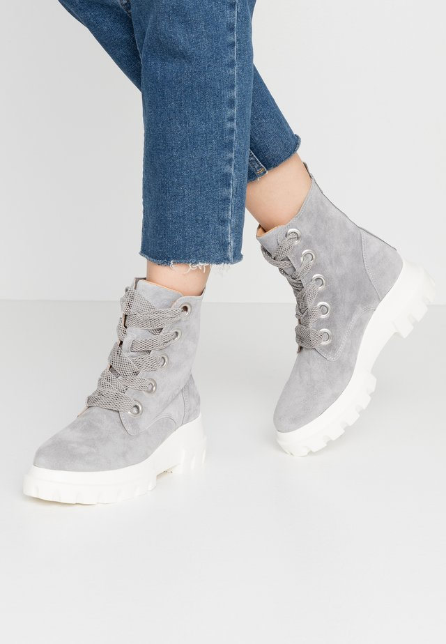 LIGHT - Lace-up ankle boots - lead