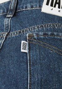 The Ragged Priest - OMBRE MOM - Jeans straight leg - indigo/mid/light blue/stonewash - 5