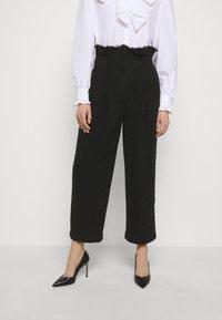 Alberta Ferretti - TROUSERS - Trousers - black - 0
