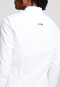 Tommy Jeans - OXFORD SHIRT - Košile - white - 5