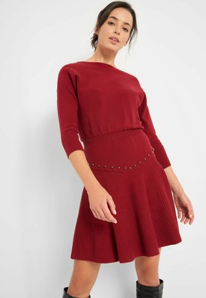 MIT PERLEN - Jumper dress - weinrot