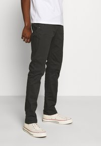 Scotch & Soda - STUART PEACHED WITH GIVE AWAY BELT - Chinos - charcoal - 0