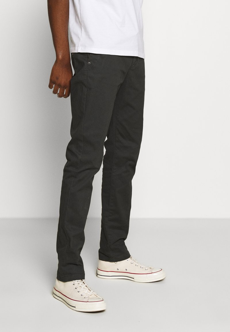Scotch & Soda - STUART PEACHED WITH GIVE AWAY BELT - Chinos - charcoal