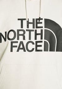 The North Face - STANDARD HOODIE - Luvtröja - vintage white - 6