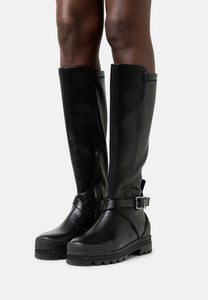 KELLY 04 - Platform boots - black