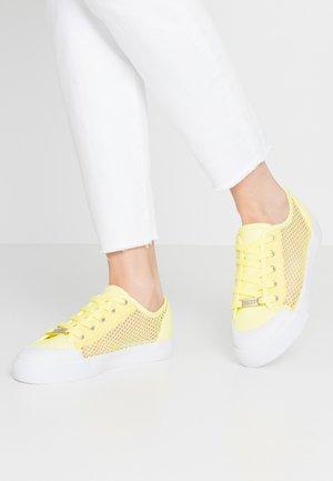 GITNEY - Sneakers - lime