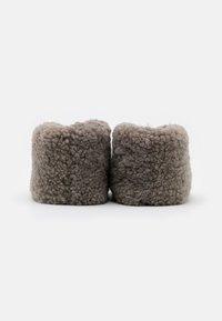 Shepherd - ULLA  - Slippers - stone - 3