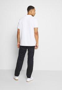 Nike Golf - HYPERSHIELD PANT - Kalhoty - black/dark smoke grey - 2