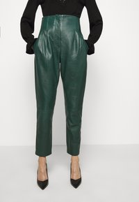 Alberta Ferretti - LEATHERPIECES TROUSERS - Trousers - green - 5