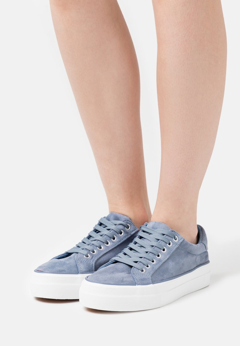 Simply Be - WIDE FIT GISELLE - Sneakers basse - dusty blue