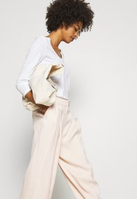 Marc O'Polo - SLEEVE ROUNDED NECK STITCHING DETAIL - Long sleeved top - white - 3