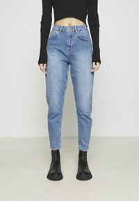 NA-KD - MOM - Jeans Tapered Fit - light blue - 0