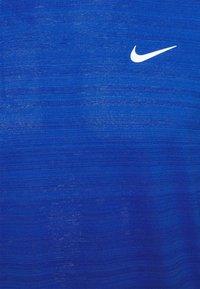 Nike Performance - MILER - Sports shirt - game royal/silver - 2