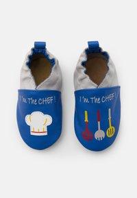 Robeez - I AM THE CHEF - First shoes - bleu electrique/gris - 0