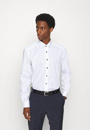 LUXOR MODERN FIT - Camicia - white