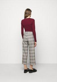 J.CREW - PEYTON PANT IN PLAID - Trousers - bronzed ochre/rust - 2