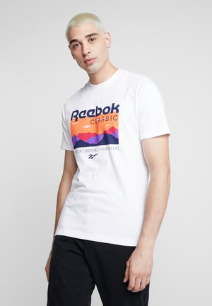 CASUAL SHORT SLEEVE GRAPHIC TEE - T-shirt z nadrukiem - white