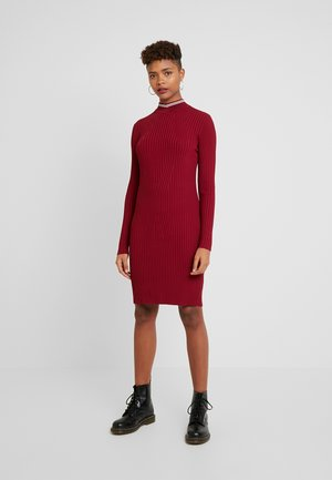 LYNN MOCK TURTLE - Shift dress - red