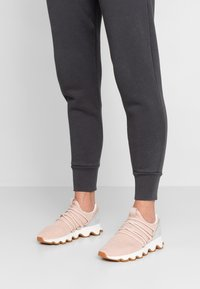Sorel - KINETIC LACE - Sneakers basse - natural tan - 0