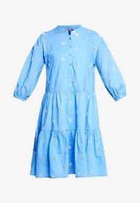 Culture - CUNALA DRESS - Blusenkleid - powder blue - 3