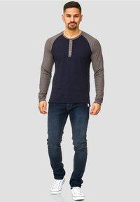 INDICODE JEANS - LONGSLEEVE WILLBUR - Long sleeved top - dark blue - 1