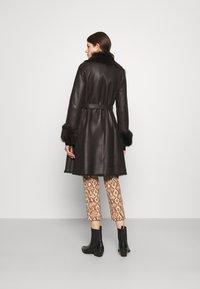 STUDIO ID - FLO COAT - Leather jacket - chocolate - 3