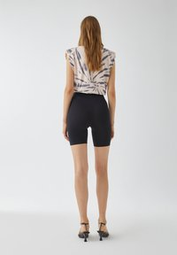PULL&BEAR - Shorts - mottled black - 2