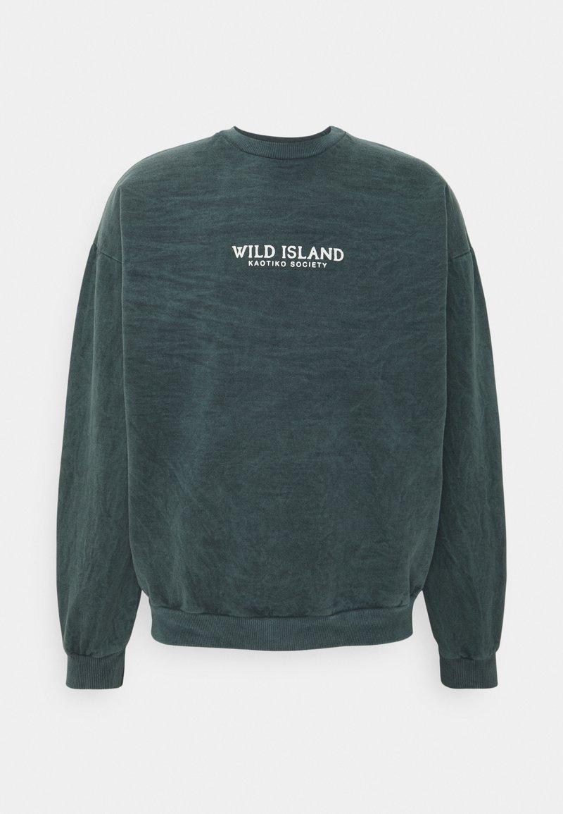 Kaotiko - CREW TIE DYE WILD ISLAND - Sweatshirt - mucha arena verde bosque