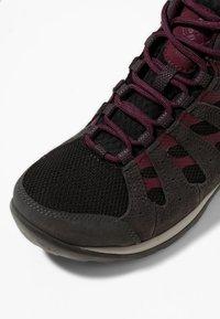 Columbia - REDMOND™ V2 MID WP - Hiking shoes - black, black cherry - 6