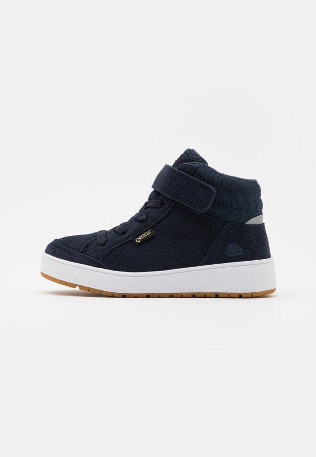 EAGLE WARM GTX UNISEX - Korkeavartiset tennarit - navy