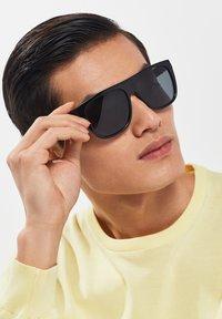 Hawkers - RUNWAY - Sunglasses - black - 0