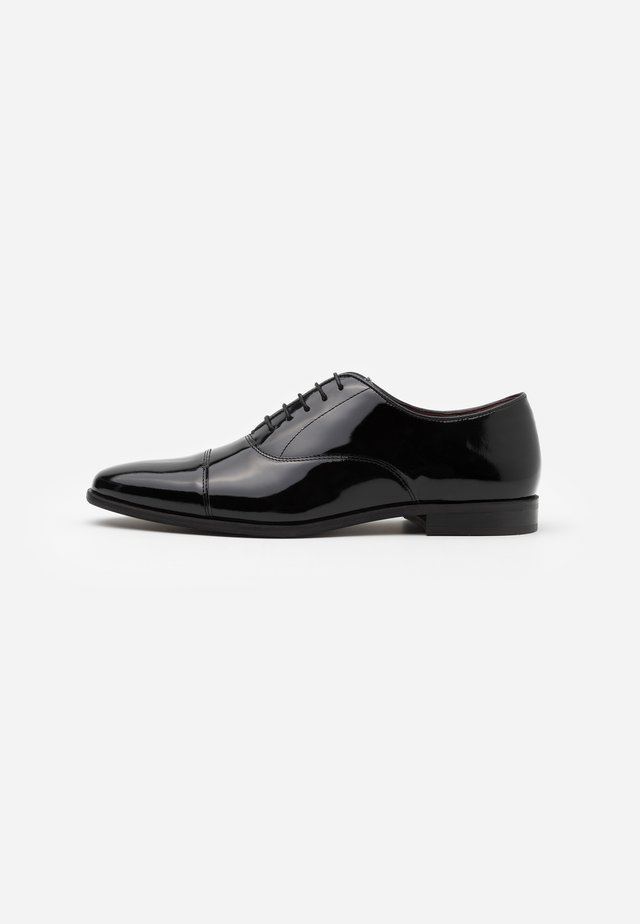 ALFIE OXFORD TOE CAP - Derbies & Richelieus - black