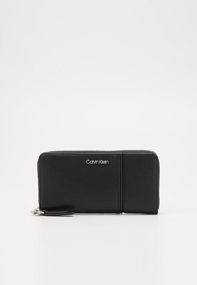 CHAIN ZIPAROUND - Wallet - black