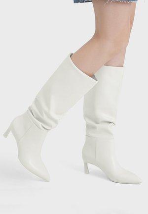 Vysoká obuv - white