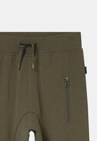 Molo - ASHTON - Teplákové kalhoty - vegetation - 2
