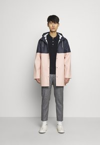 Stutterheim - STOCKHOLM BLOCKED - Waterproof jacket - navy - 1