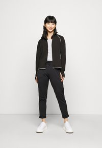 ONLY PLAY Petite - ONPPERFORMANCE RUN BRUSHED ZIP - Training jacket - black - 1