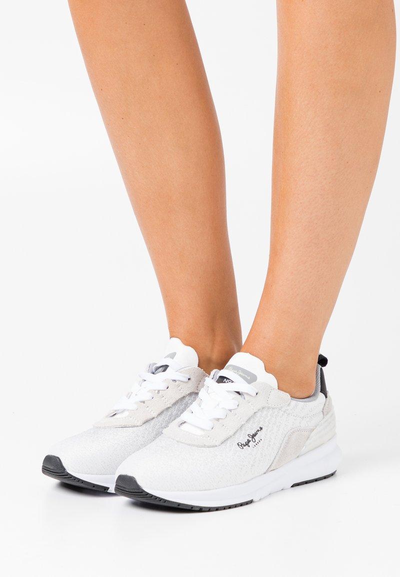 Pepe Jeans - Nº22 WOMAN - Zapatillas - white