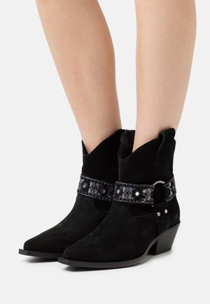TEA BOOT - Cowboy/biker ankle boot - nero limousine