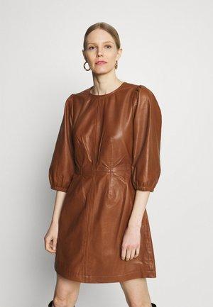 GAINEPW  - Denní šaty - hazel brown