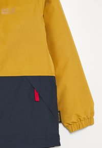 Jack Wolfskin - SNOWY DAYS JACKET KIDS - Outdoorová bunda - golden amber