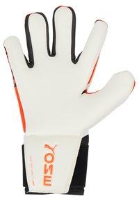 Puma - ONE GRIP HYBRID PRO - Goalkeeping gloves - red/black/white - 4