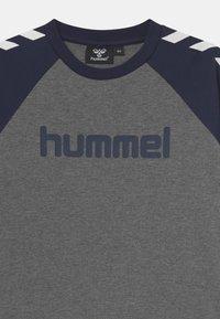 Hummel - BOYS - Long sleeved top - black iris - 2