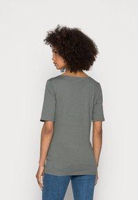 Marc O'Polo - SHORT SLEEVE ROUND NECK - Basic T-shirt - olive garden - 2