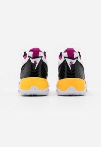Jordan - ZOOM '92 - Zapatillas altas - white/cactus flower/black/smoke grey/laser orange - 6