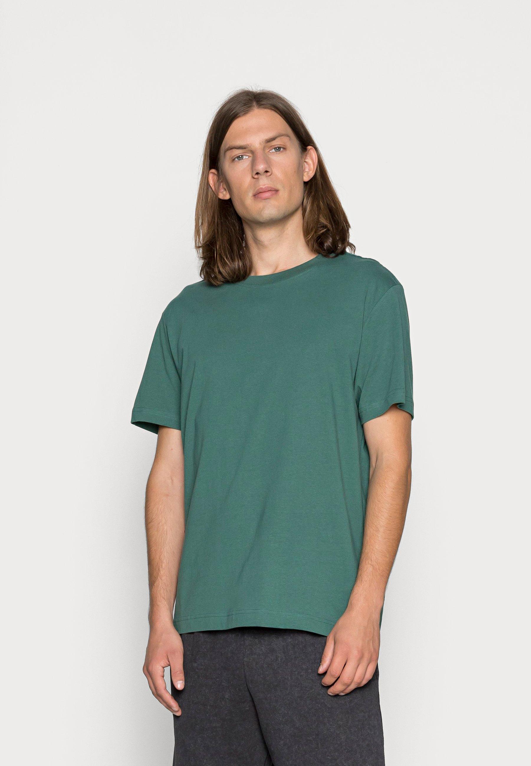 Men RELAXED - Basic T-shirt