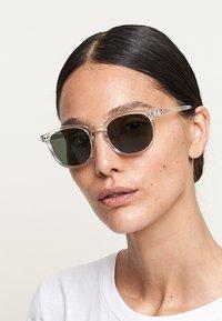 Meller - BANNA - Sunglasses - minor olive - 1