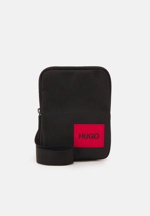 ETHON ZIP UNISEX - Across body bag - black