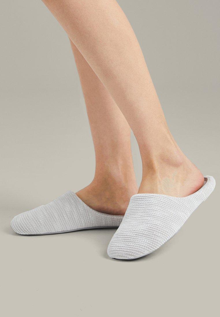 OYSHO - BASIC FLECKED FABRIC - Slippers - grey